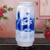 手绘青花荷花 陶瓷工艺品