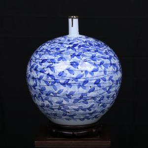 田曼《春》瓷瓶艺术品...
