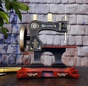 复古缝纫机老式模型摆...