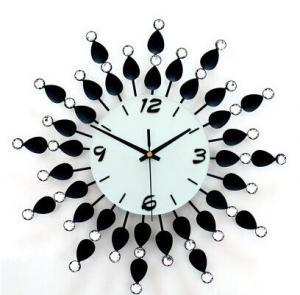 精致铁艺镶钻装饰时钟...