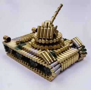 转盘中坦克弹壳模型玩...
