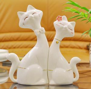 情侣对猫 家居装饰工...